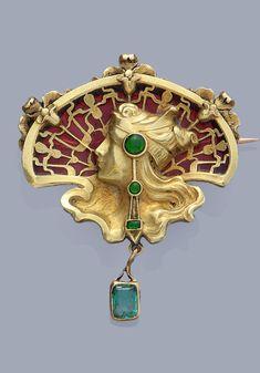 (Art nouveau) Yellow gold, plique-a-jour enamel and emerald brooch. Jade Jewelry, Enamel Jewelry, Jewelry Art, Antique Jewelry, Vintage Jewelry, Jewelry Stand, Silver Jewelry, Belle Epoque, Bijoux Art Nouveau