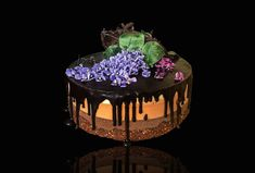 """Tortas """"Trys šokoladai"""" (nekeptas) Pie, Desserts, Cakes, Food, Food Cakes, Torte, Tailgate Desserts, Pastel, Meal"""
