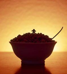Cerealism – Le monde dans un bol de céréales by Ernie Button