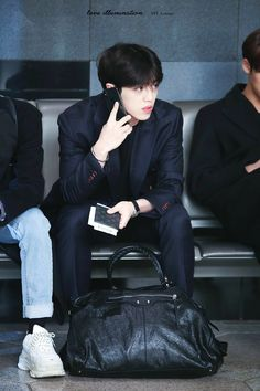 Uri Leader is always fine and that's why he's The Husband 😎😎😎 thehusbandb husbandmaterial Scoups seungcheol Seventeen jeonghanshusband Jeongcheol coupshan Woozi, Jeonghan, Seventeen Leader, Seventeen Debut, Dino Seventeen, Seventeen Scoups, Seventeen Wonwoo, K Pop, Vernon Chwe