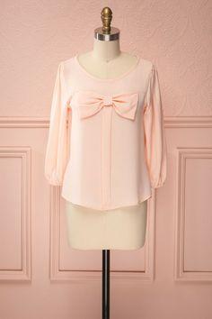 Élodie Peach - Peach coloured blouse with bow
