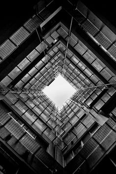 By Ryoma Aoki - look up #Architecture #Building #Design | black and white