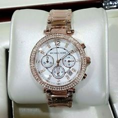 tyle_ka_pitaraTo order contact us @9820347947 for more details WhatsApp shopping across India available @michael kors #watches #watch #instawatch #instawatch #michaelkors #fashion #fashionista #fashionable #fashion blogger #instafashion#fashionphotography #fashiondaily #timepiece #watchesofinstagram #fashionjewelry