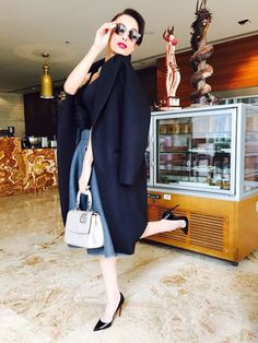 The Dior bag and Louboutins are the icing on Malaika Arora Khan's Dhruv Kapoor cake. To view, visit: http://www.vogue.in/content/new-year-new-look#1