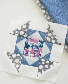 The Splendid sampler block 37.  I really like this one   Pattern by Laura Flynn @cottonpatchquiltshopfl  #thesplendidsampler #splendidsampler #tilkkutyö #tilkkublokki #quilt #quilting #quiltblock
