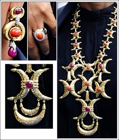 Detail of the jewels worn by Sheikha Mozah of Qatar to the Abdication/Inauguration of King Willem-Alexander of the Netherlands. photo credit: Salma at TRF with permission