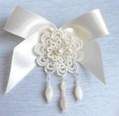 Ivory tatted lace pendant brooch floral tatting handmade
