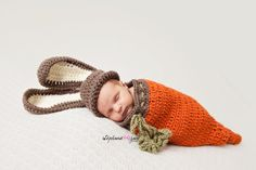 This cute little bunny hat and carrot cocoon is made to order.    You choose hat size:    Preemie / Small Newborn    or    Newborn    See below for more information.    Allow 2 to 4 days to make.    Mailed UPS Ground for faster delivery. Please send me a message along with your zip code and I will let you know how many days it will take to reach your address from New Jersey.    Mailed to you protected in a brand new ziploc plastic bag and new box for storing after use.  Open carefully…