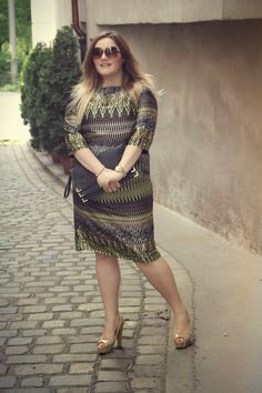 Theodora Flipper: Curvy Outfit - Triangle by s.Oliver