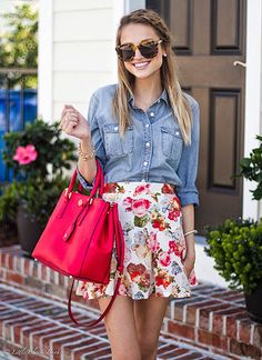 花柄のミニスカート♡ 人気おすすめトレンド モテ『デニムシャツ』レディースアイデア一覧
