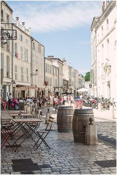 traveling to La Rochelle in France | Image by Christina Sarah Photography