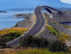Les routes les plus spectaculaires du monde