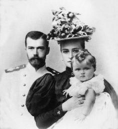 Tsar Nikolai, Alexandra and baby Olga