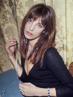 Hair bangs vintage jane birkin ideas for 2019 Hair Inspo, Hair Inspiration, Hairstyles With Bangs, Cool Hairstyles, Vintage Hairstyles, Stars D'hollywood, Corte Y Color, Grunge Hair, Great Hair
