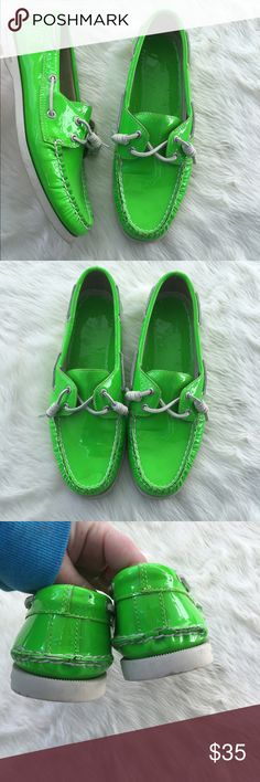 Patent green St Patrick's day Jeffrey Sperry's Sz 9 gently worn condition. Slightly dirty on bottom but remainder of shoe in great condition. Sperry Shoes Flats & Loafers