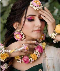 Pink and Yellow Floral Haldi Mehandi Wedding Bridal Necklace, Earrings, Maangtika, Bracelet and Hair Indian Wedding Jewelry, Indian Jewelry, Flower Jewellery For Mehndi, Flower Jewelry, Beautiful Indian Brides, Beautiful Bride, Flower Ornaments, Bridal Flowers, Dry Flowers