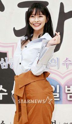 Hello Venus Nara Kpop Girl Groups, Korean Girl Groups, Kpop Girls, Korean Actresses, Korean Actors, Baek Jin Hee, Kdrama Actors, Girl Bands, Nara