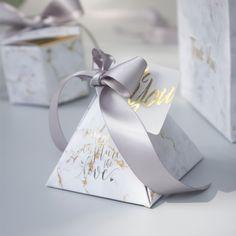 Wedding Decorations Triangular Pyramid gift box wedding favors and gifts candy box wedding gifts for guests - Wedding Favors And Gifts, Creative Wedding Favors, Inexpensive Wedding Favors, Beach Wedding Favors, Wedding Favor Boxes, Bridal Shower Favors, Wedding Table, Wedding Ceremony, Field Wedding