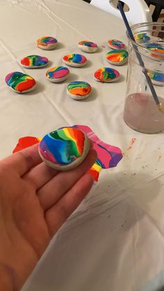 Rock Painting Patterns, Rock Painting Ideas Easy, Rock Painting Designs, Paint Designs, Rock Painting Ideas For Kids, Rock Painting Supplies, Stone Crafts, Rock Crafts, Arts And Crafts