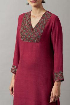 Salwar Neck Designs, Churidar Designs, Neck Designs For Suits, Kurta Neck Design, Sleeves Designs For Dresses, Dress Neck Designs, Kurta Designs Women, Stylish Dress Designs, Chudi Neck Designs