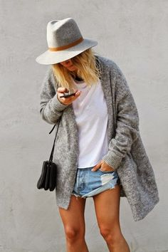 Oversized cardigan. More DIY fashion inspiration: www.lamaisonvictor.com