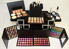 http://www.lecosmetique.com/Professional_Makeup_Kit_p/profmakeupkit.htm