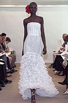 Oscar de la Renta Spring 2002 Ready-to-Wear - Collection - Gallery - Style.com