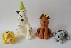 Edible Fondant Cake Toppers Dogs by SugarDoughDesigns Dog Cake Topper, Fondant Cake Toppers, Fondant Cakes, Cupcake Cakes, Dog Cupcakes, Fondant Figures Tutorial, Cake Templates, Fondant Animals, Fondant Decorations
