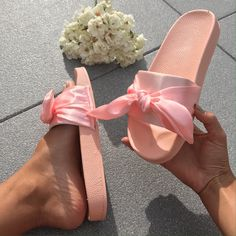 Claquettes Ruban Rose Baskets, Ribbon, Shoes, Fashion, Knee High Boots, Ankle Boots, Sandals, Ribbon Rose, Tap Dance