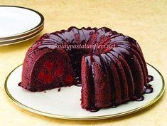 Yapımı Kolay Yumuşacık Vişneli Kek Tarifi