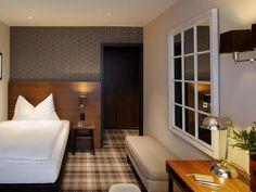 ZURICH HOTEL, SWITZERLAND: HOTEL CITY ZURICH (3) (1. RATHAUS-HOCHSCHULEN-LIND...