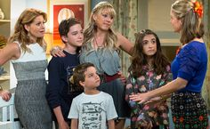 """Publican primeras imágenes oficiales del elenco de la serie """"Fuller House"""""""