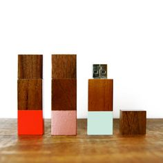 SALE Handpainted Wood Flash Drive por sonofasailorSUPPLY en Etsy