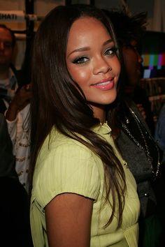Young Rihanna, Moda Rihanna, Rihanna Love, Rihanna Photos, Rihanna Riri, Rihanna Style, Rihanna Ponytail, Rihanna Makeup, Hair
