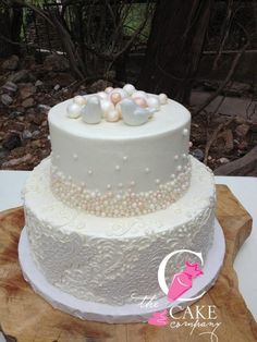 Fondant birds, pearls, and so much more!