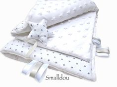 Couverture bébé blanche étoiles grises