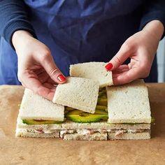 Göra smörgåstårta, steg för steg! | ICA Buffé Sandwhich Cake, Fairy Food, Hors D'oeuvres, Savoury Cake, Feta, Entrees, Lchf, Sandwiches, Appetizers