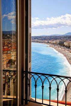 …a vibrant town overlooking a bay of angels… NICE, THE JEWEL OF THE FRENCH RIVIERA