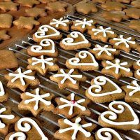 My Favorite Classic Easy Gingerbread Cookies You Can Copy – Page 38 – Small Flash Easy Gingerbread Cookies, Christmas Cookies, Christmas Foods, Christmas Traditions, Christmas Tree, Ginger Bread Cookies Recipe, Cookie Recipes, Coconut Flour, Almond Flour