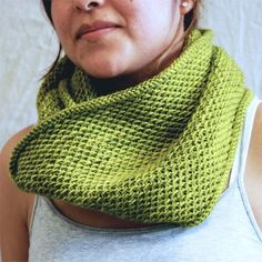 Madelinetosh Honey Cowl (Free) - I just started it is easy and sooo pretty