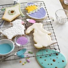 Lambs, rabbits, and chicks, oh my! Use cookie cutters to shape sugar cookies into your favorite Easter designs, then decorate with our easy powdered sugar icing! Find recipes here: http://www.bhg.com/holidays/easter/recipes/fun-to-make-easter-treats/?socsrc=bhgpin031315sugarcookiecutouts&page=24