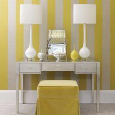 Papel de parede de listras amarela e branca