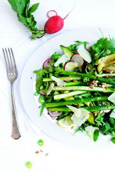 Wahnsinnig leckerer Sommersalat mit frischem Mohndressing.