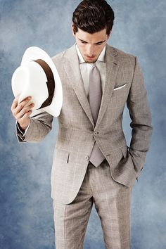Summer Suit | Ermenegildo Zegna  toeing that line between 'cool' and 'old man'. Maybe cool old man ?