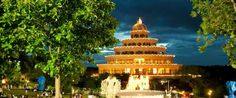 Vishalakshi Mantap at night <3