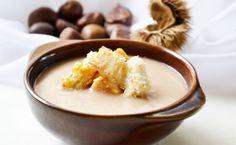 Die #Maronisuppe ist eine besondere und raffinierte Vorspeise, ihre Gäste werden von diesem Rezept begeistert sein.