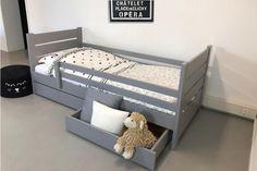 Toddler Rooms, Toddler Bed, Baby Room Decor, Bedroom Decor, Ideas Habitaciones, Rainbow Nursery Decor, Junior Bed, Kids Room Design, Kid Beds