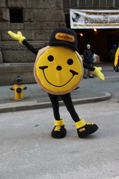 The time Eat'n Park decided to make a black and gold cookie mascot | Community Post: The 20 Most Pittsburgh Things That Ever Happened