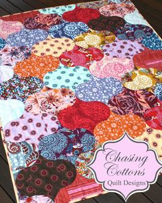 Adore this Quilt Pattern!! How pretty would this be with Christmas fabrics?