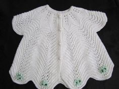 How to tutorial knitting and crochet baby pattern free Baby Knitting Patterns, Knitting Designs, Baby Patterns, Baby Girl Crochet, Crochet For Kids, Knit Crochet, Knitted Baby Clothes, Heirloom Sewing, Baby Cardigan